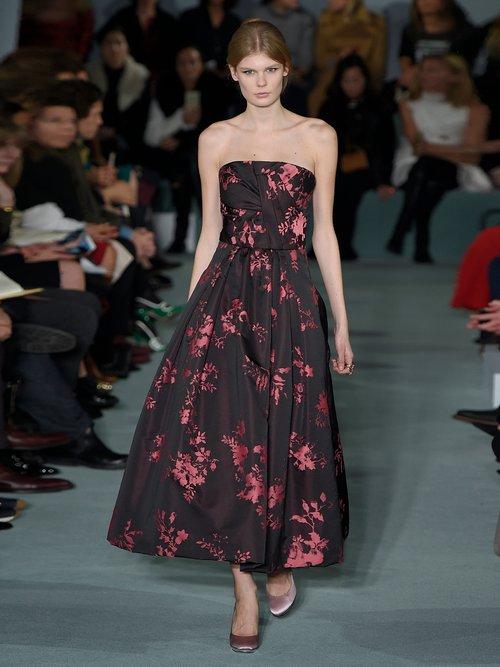Floral-jacquard crepe de Chine gown by Oscar De La Renta