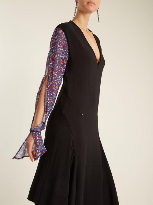 Contrast-sleeve V-neck stretch-crepe dress by
