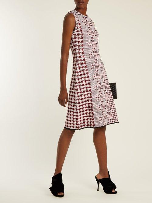 Sleeveless intarsia-knit wool dress by Oscar De La Renta