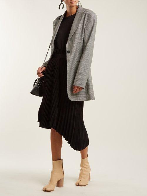 Tabi Split Toe Leather Ankle Boots by Maison Margiela
