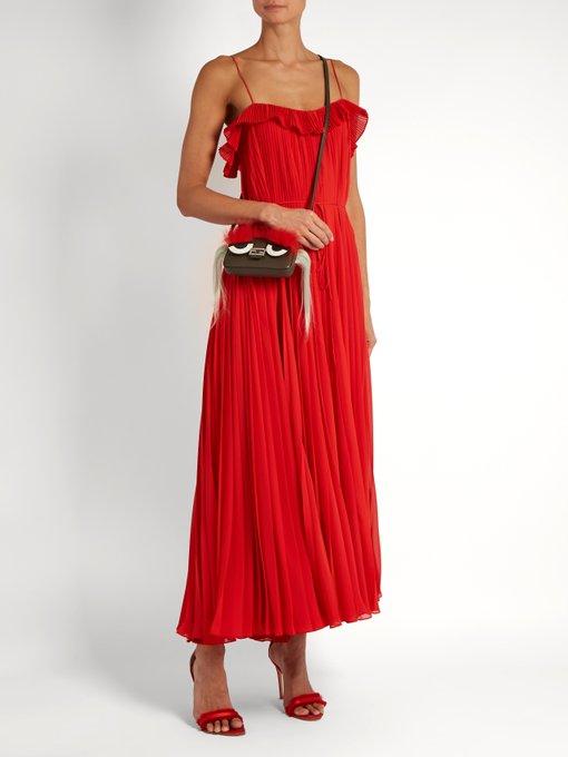 444f56fcec Fendi Micro Baguette cross-body bag. outfit 1051626