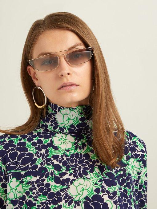 ef472d77692 Prada Eyewear Ultravox rectangular-frame metal sunglasses. outfit 1231204