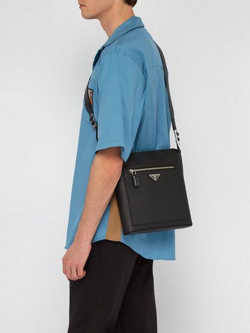 7d9671264075 Logo-plaque leather messenger bag | Prada | MATCHESFASHION.COM UK